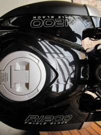 R1200 TRIPLE BLACK